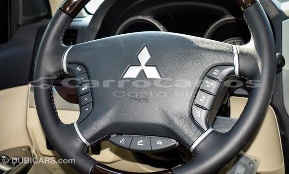 Comprar Importar Carro Mitsubishi Pajero Otro en Import - Dubai en Alajuela