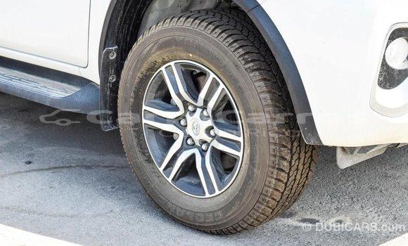 Comprar Importar Carro Toyota Fortuner Blanco en Import - Dubai en Alajuela