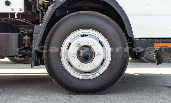 Comprar Importar Utilitario Mitsubishi L400 Blanco en Import - Dubai en Alajuela